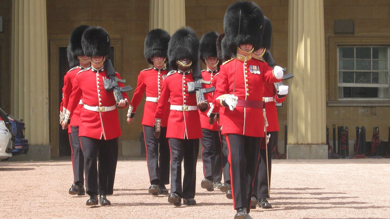 palace-guards